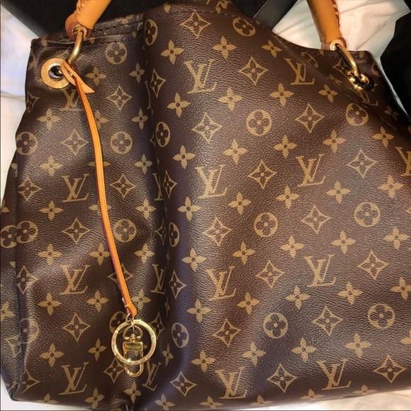Louis Vuitton Handbags - Artsy mm